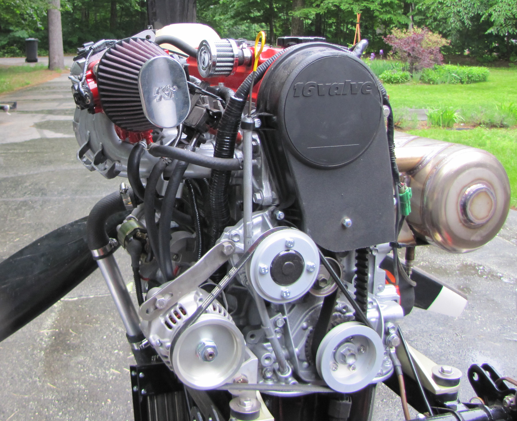 hight resolution of the engine is 16 valves full injection with double ignition coil pack and denso computerised injection and ignition control system