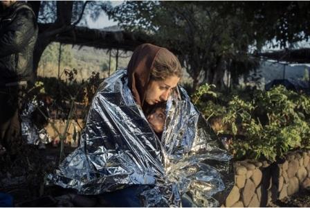 """""""FROM AFAR"""": A ZAGABRIA I MIGRANTI NEGLI SCATTI DEL FOTOGRAFO ITALIANO ALESSANDRO PENSO"""