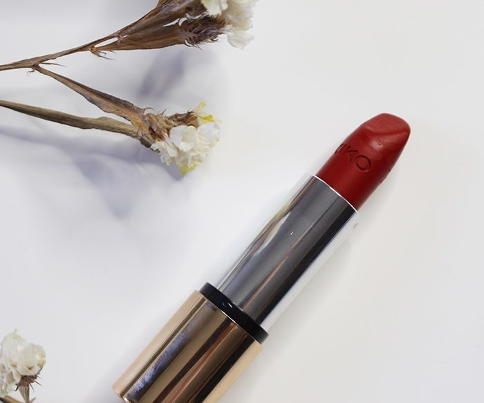 Red lipstick Aishawari