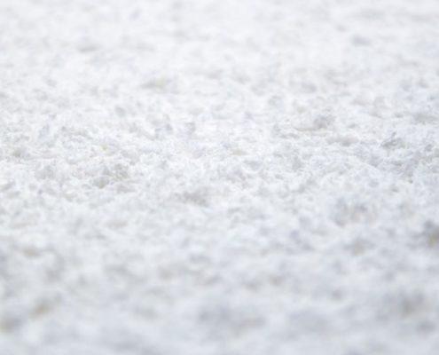 Acondicionamiento acústico con celulosa de color blanco