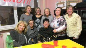 AIS Seguimi Centro Solidart Roma. Stefania con un gruppo di partecipanti