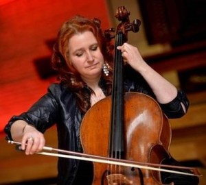 Photo of Hannah Roberts cellist