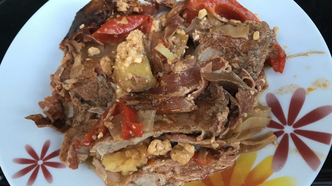 Schichtfleisch mit Feta aus dem Dutch Oven