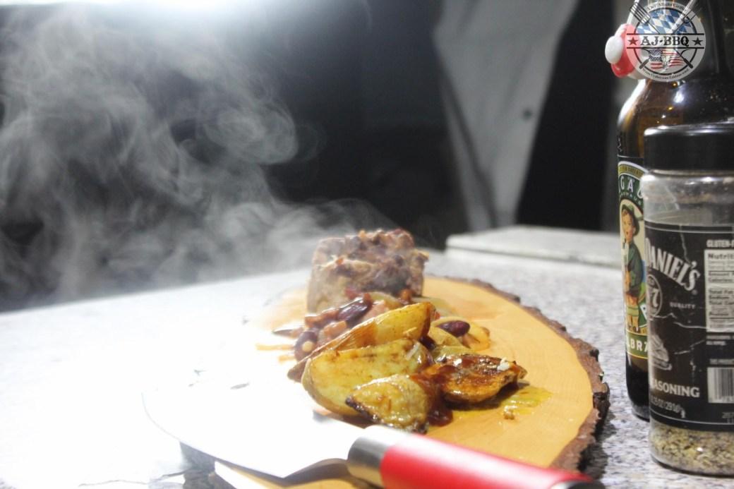 Schweinerücken mit Bohnen und gegrilltem Kartoffelsalat