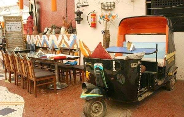 Firangi Dhaba, Mumbai - Eat in an auto