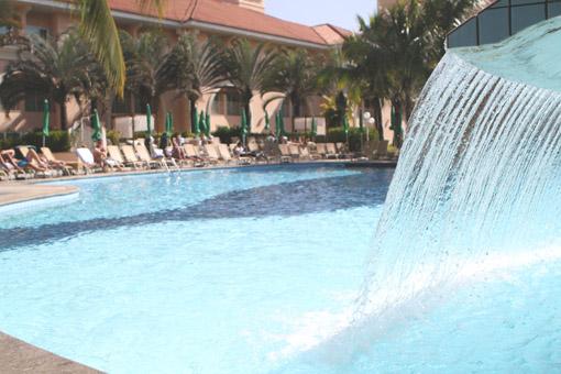 cascata piscina resort