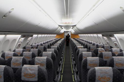 Interior do avião gol
