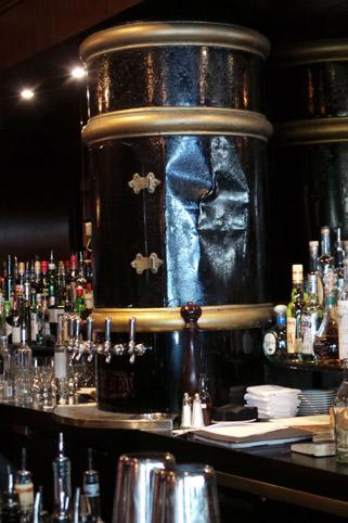 Detalhe do bar do Pourhouse