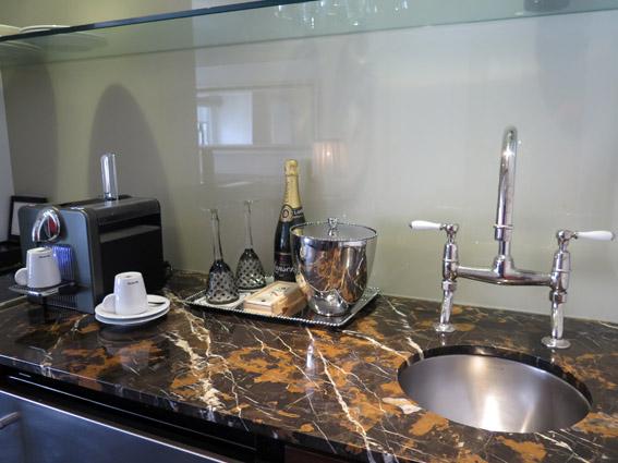 Relais & Châteaux The Surrey mini cozinha