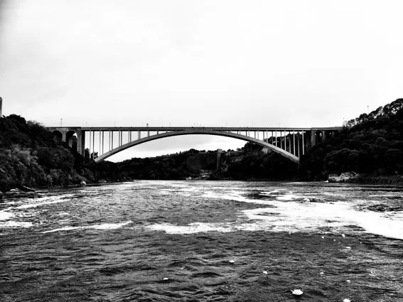 Ponte entre Canda EUA