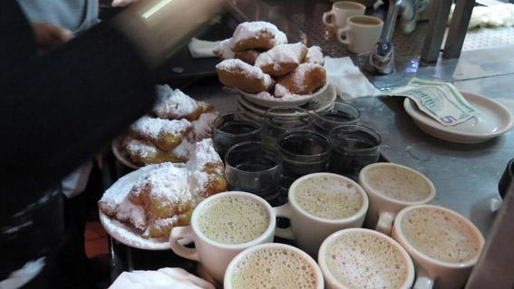 Cafe du monde New Orleans cafe no balcao