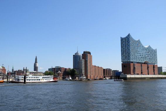 Vista de Hamburgo do passeio de barco