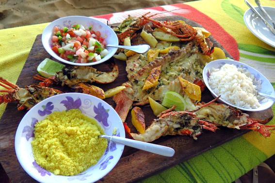 pratos-na-mesa lagosta praia do forte
