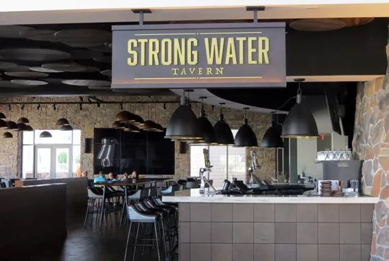 loews-sapphire-falls-resort-strong-water-tavern
