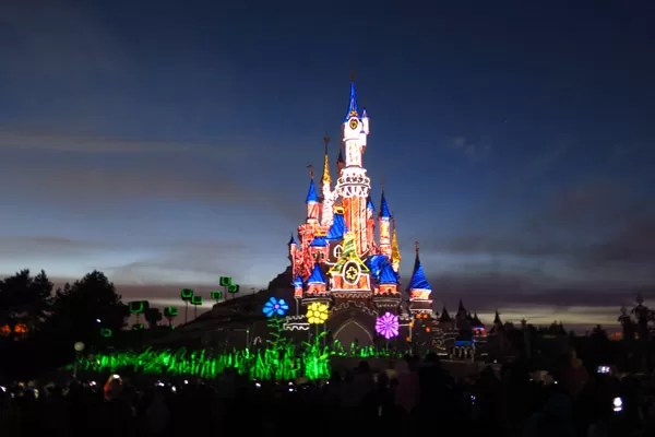 Disneyland Paris Illumination colorido