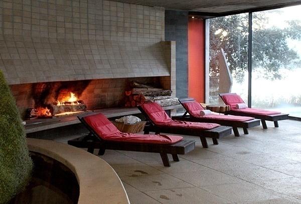 Hotel Antumalal Pucon piscina espreguicadeiras