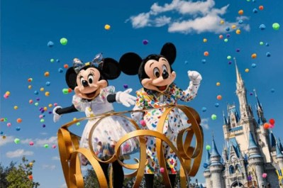 Mickey and Minnie - New outfit