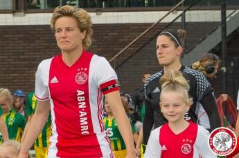 19-05-2017: Voetbal: Vrouwen Ajax v ADO den Haag: Amsterdam Daphne Koster komt voor laatste keer veld op in thuiswedstrijd Ajax