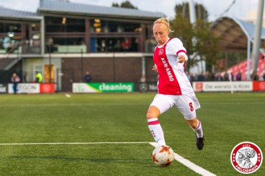22-09-2017: Voetbal: Vrouwen Ajax v ADO den Haag: Amsterdam Eredivisie vrouwen Sportpark de toekomst seizoen 2017-2018 L-R Inessa Kaagman of Ajax