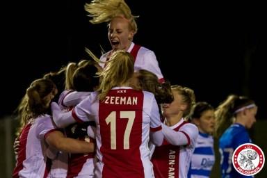 16-03-2018: Voetbal: Vrouwen Ajax v PEC Zwolle: Amsterdam Sportpark de Toekomst seizoen 2017-2018 L-R Ajax viert 1-0 Kelly Zeeman of Ajax, Inessa Kaagman of Ajax juicht