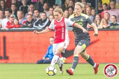 02-06-2018: Voetbal: Vrouwen Ajax v PSV: Spakenburg bekerfinale 2017-2018 L-R