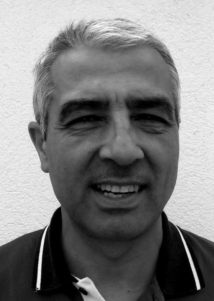 Enrique Sánchez Gómez Blanco y negro