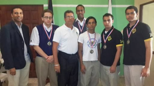 Equipo Juvenil del Colegio Los Embajadores Campeón Liga Intercolegial 2014