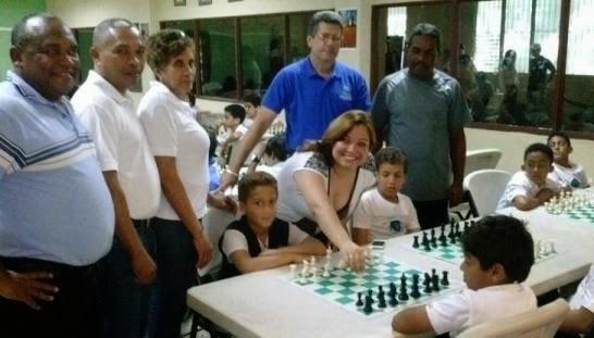 Inauguración de la Liga Intercolegial de Ajedrez Entrenador del Colegio Los Embajadores - 09/02/15