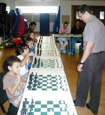 Simultánea en el Liceo Francés de Santo Domingo