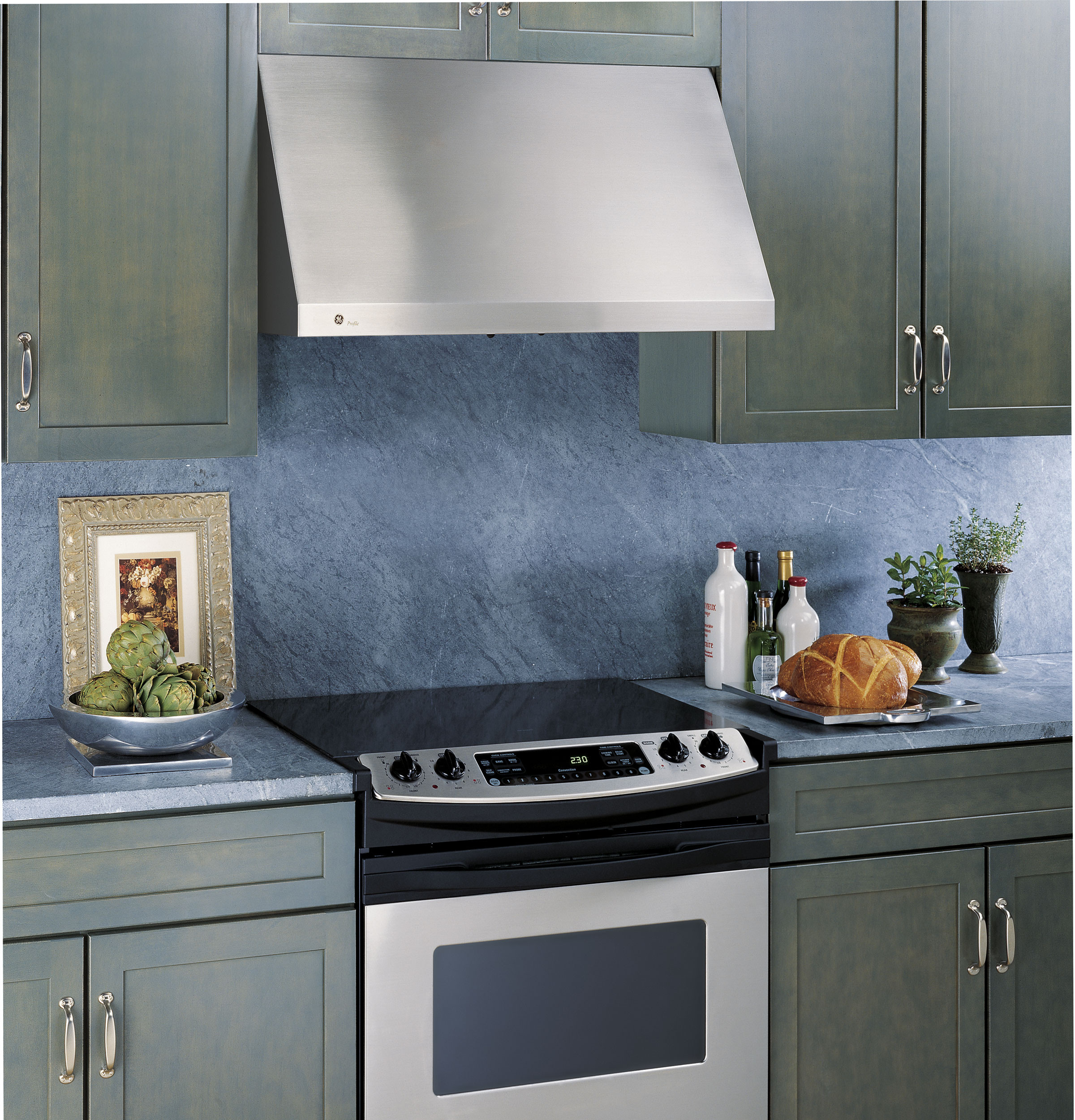Ge Jv936dss 30 Inch Wall Mount Range Hood With 600 Cfm Blower Hidden Controls Four Speed Fan Control And Halogen Cooktop Lights Stainless Steel
