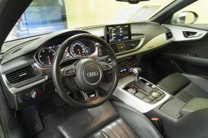 Auton lisävarusteilla turvaa ja ekstramukavuutta ajamiseen