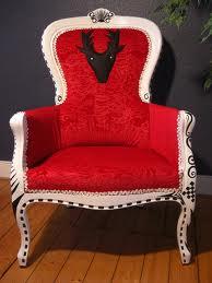 Sessel mit rotem Samt (de.dawanda.com)