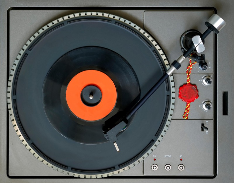 Do you have lots and lots of vinyl you need to rip to digital files? Then you need to read this. - A Journal of Musical Things