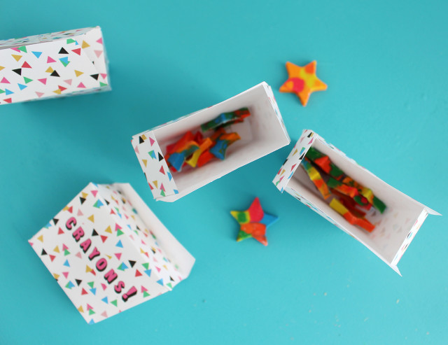 Give handmade crayons in cute printable boxes | @ajoyfulriot