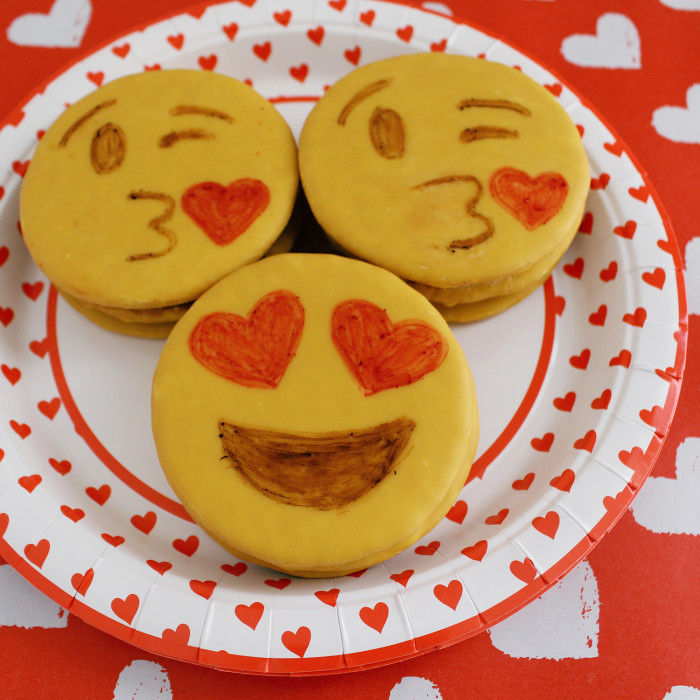 DIY emoji cookies (i.e. moon pies!) perfect for valentines! | A Joyful Riot