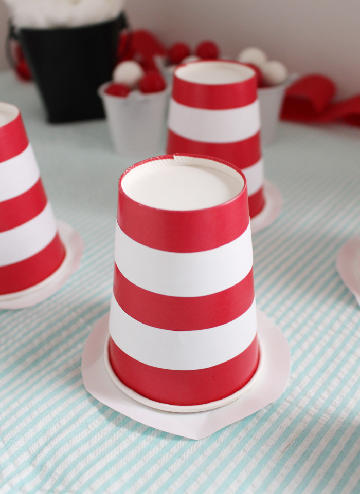 Use paper cups to make quick little Cat in the Hat themed hat party favors | A Joyful Riot