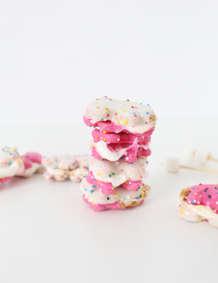 Animal cookies make the perfect most delicious smores ever. And definitely the cutest! | A Joyful Riot
