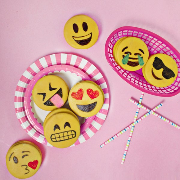 3 Fun Emoji DIYs with Tiny Prints