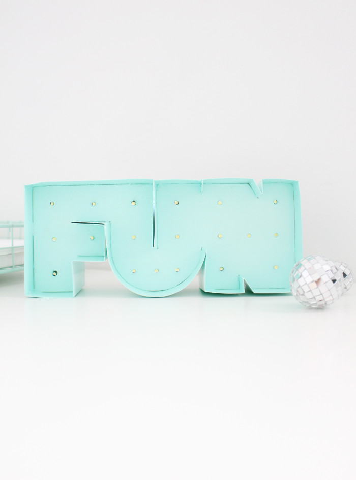 DIY mini marquee light for your desk! | A Joyful Riot