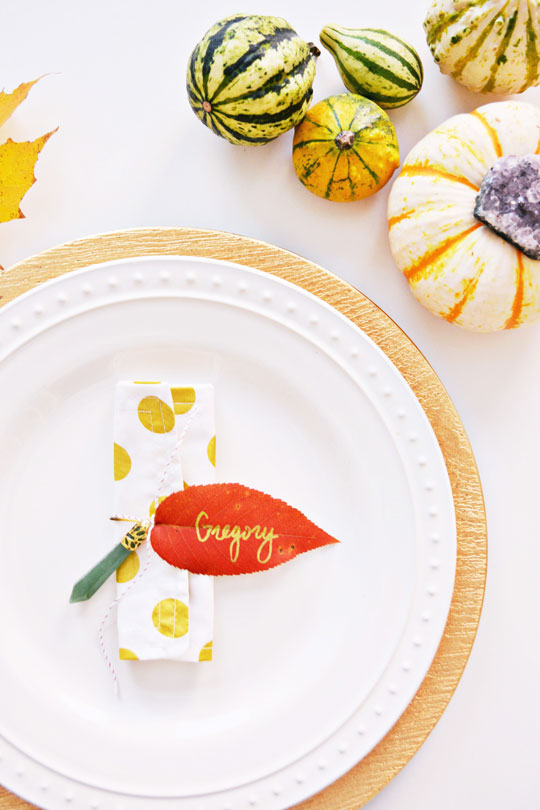 Simple Leaf Napkin Rings for Thanksgiving @ajoyfulriot