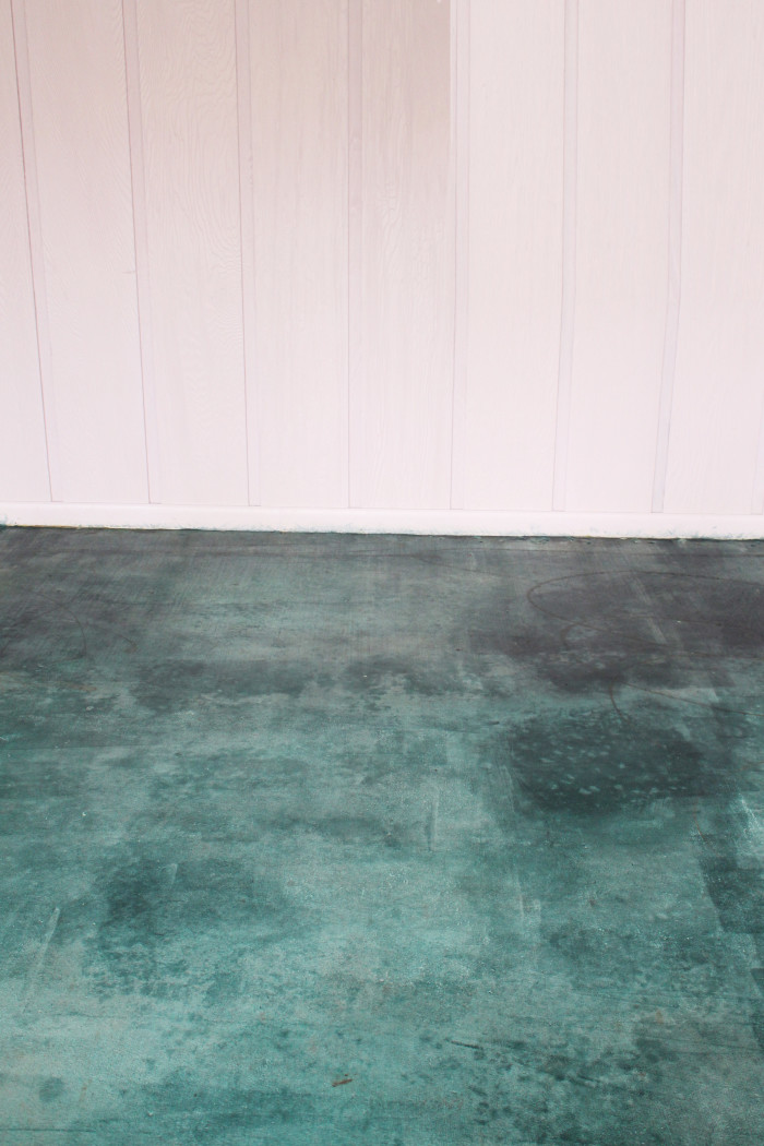 How to acid stain a concrete floor with step by step pictures! Easy and cheap way to get an awesome renovation via ajoyfulriot.com @ajoyfulriot