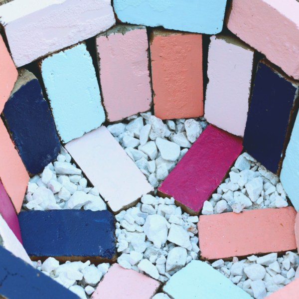 DIY Colorful Brick Outdoor Firepit