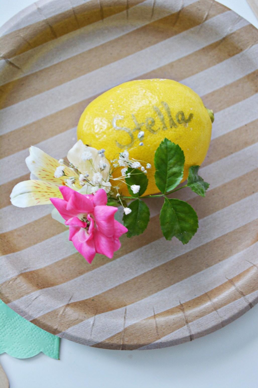 florallemonnamecard9