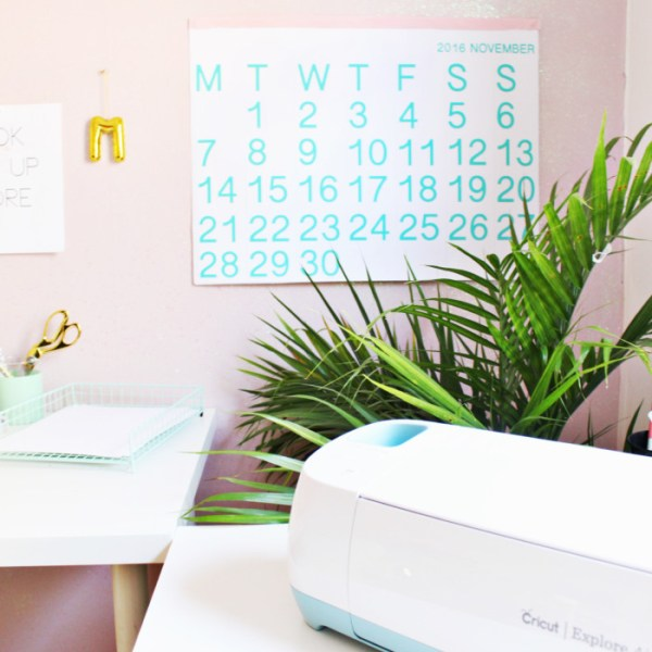 Colorful Minimal Calendar for 2018 | Free Printable