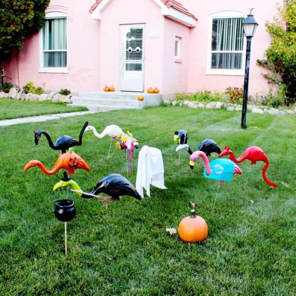 DIY Lawn Flamingos in Halloween Costumes!