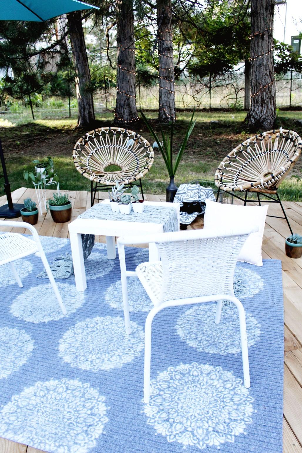 DIY Outdoor Rug with Spray Paint & Stencil