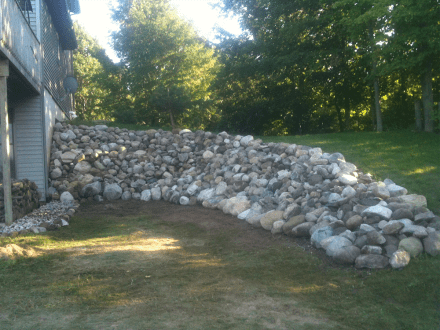 Inland rock wall