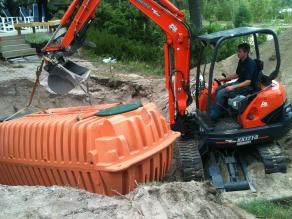 Plastic tank install pic 1