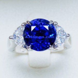 5.25 ct Sapphire and Diamond Ring in Platinum