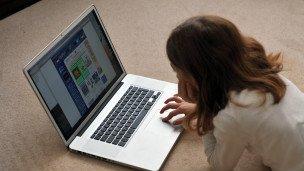 صورة فريدوم هاوس :تزايد القيود المفروضة على الانترنت خلال العام المنصرم